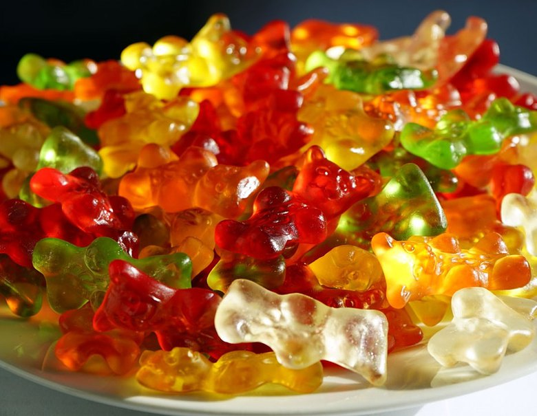 Learn how to make CBD gummies and enjoy cannabidiol in the most delicious way!